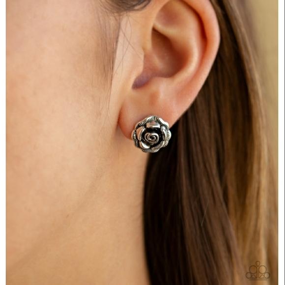 Best ROSEBUDS Earrings